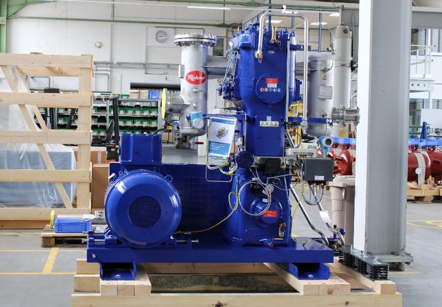Компрессор биогаза установлен в производственном цехе